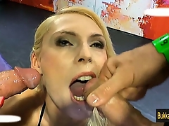Jamie Jaden sucks n group facial spermed