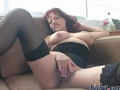 Aline gives a blowjob