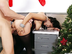 Johnny Sins gets respect wean away from fucking Jessica Bangkok with massive tits