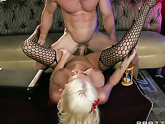 With big breasts gets gourd pounded by Johnny Sins be useful to your viewing enjoyment