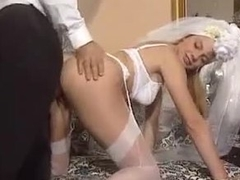 Groom fucks his bride in be transferred to white lingerie